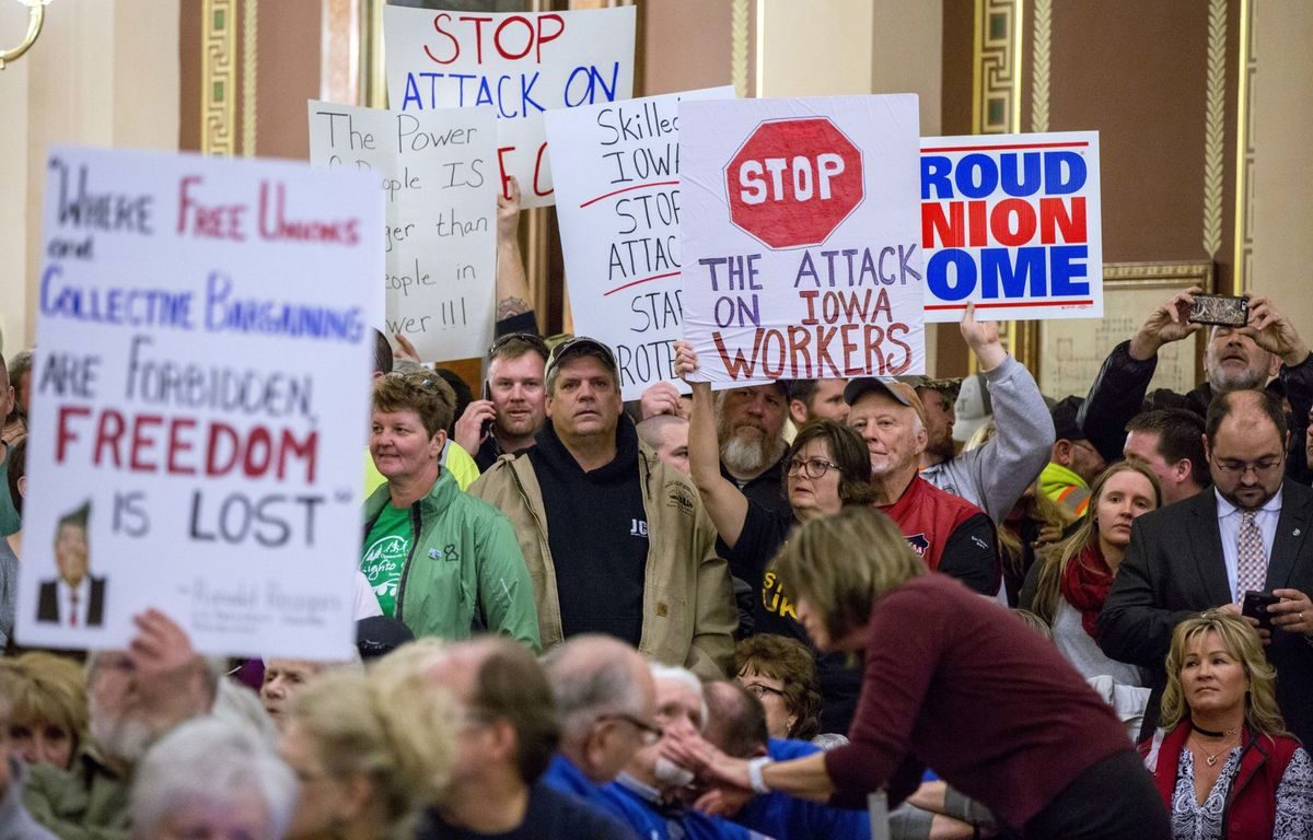 Iowa Public-Sector Unions Begin Recertification Votes