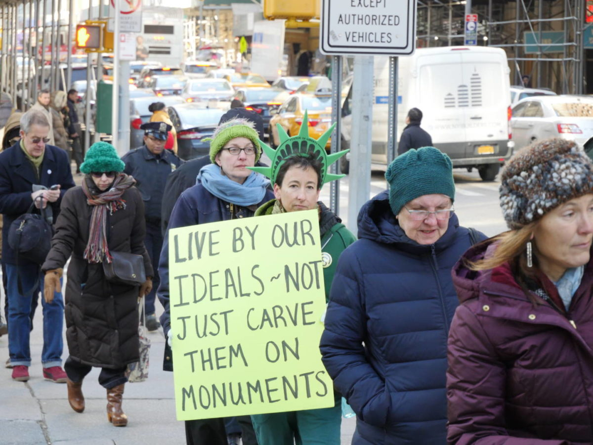 Immigrants Rights Group Calls for a Meeting with Mayor de Blasio After Leaders are 'ICEd'