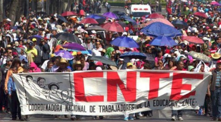8,000 Teachers March in Mexico City, Announce Wider Strike