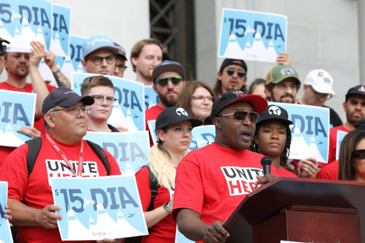 Denver Airport Workers Launch Ballot Initiative for $15 an Hour