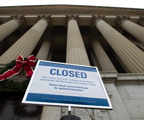 Federal Workers' Union Sues Trump Over 'Inhumane' Shutdown