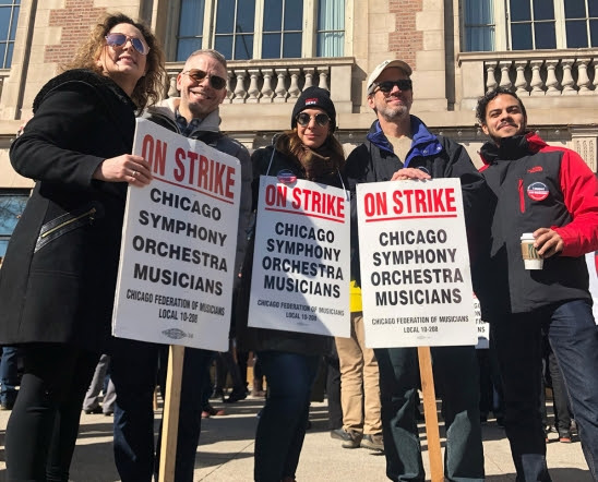 Chicago musicians stop the music over contract