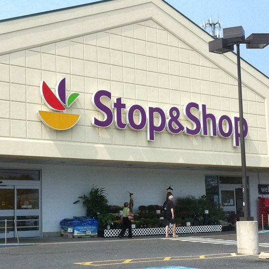 Stop & Shop Workers Rally Against 'Draconian' Cuts