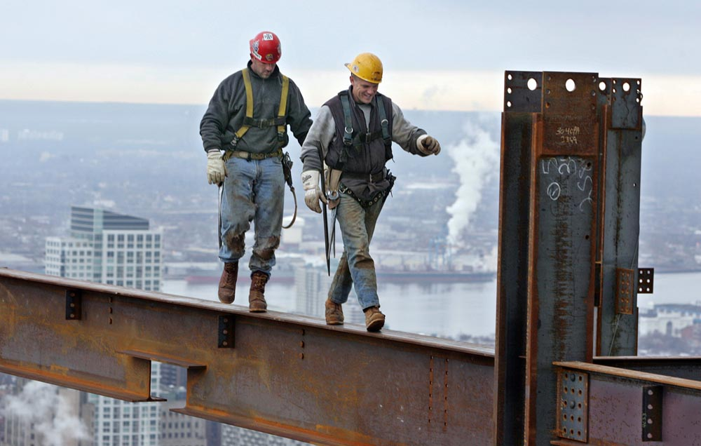 Ironworkers Raise $128G for Families of Workers Killed in Crane Collapse