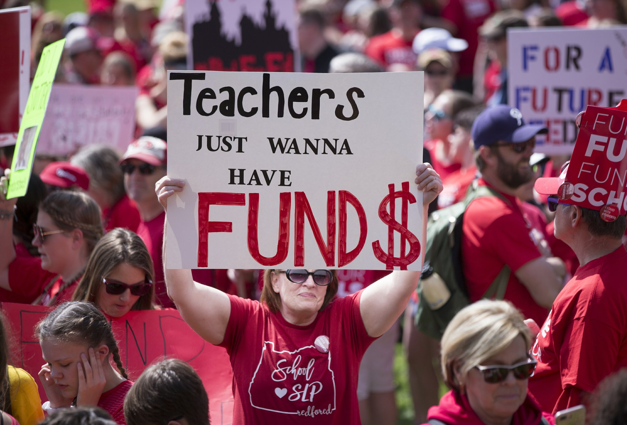 Oregon Teachers' Walkout Shuts 600 Schools for a Day
