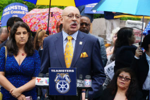 Teamsters Cheer Law on Drivers Licenses for Immigrants