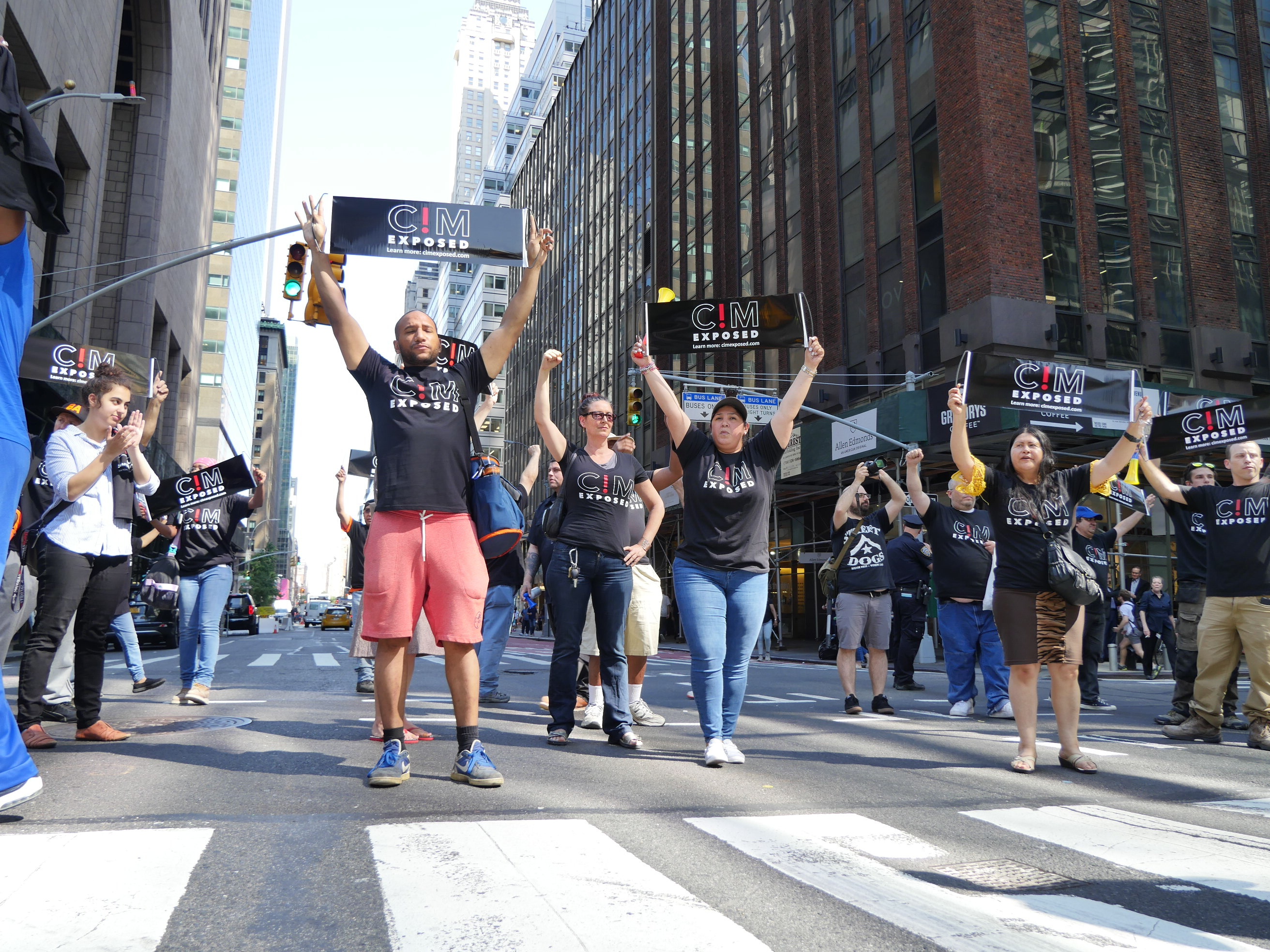 Trade Unionists Block Midtown Traffic In Fight For Middle Class Wages & Benefits