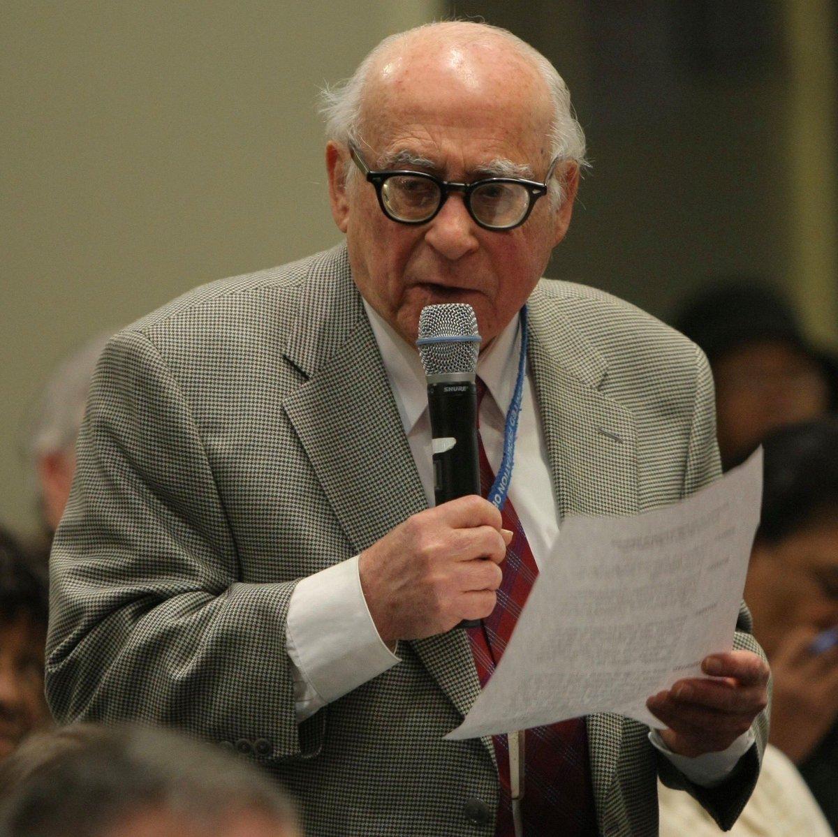 Abe Levine, a UFT founder, dies