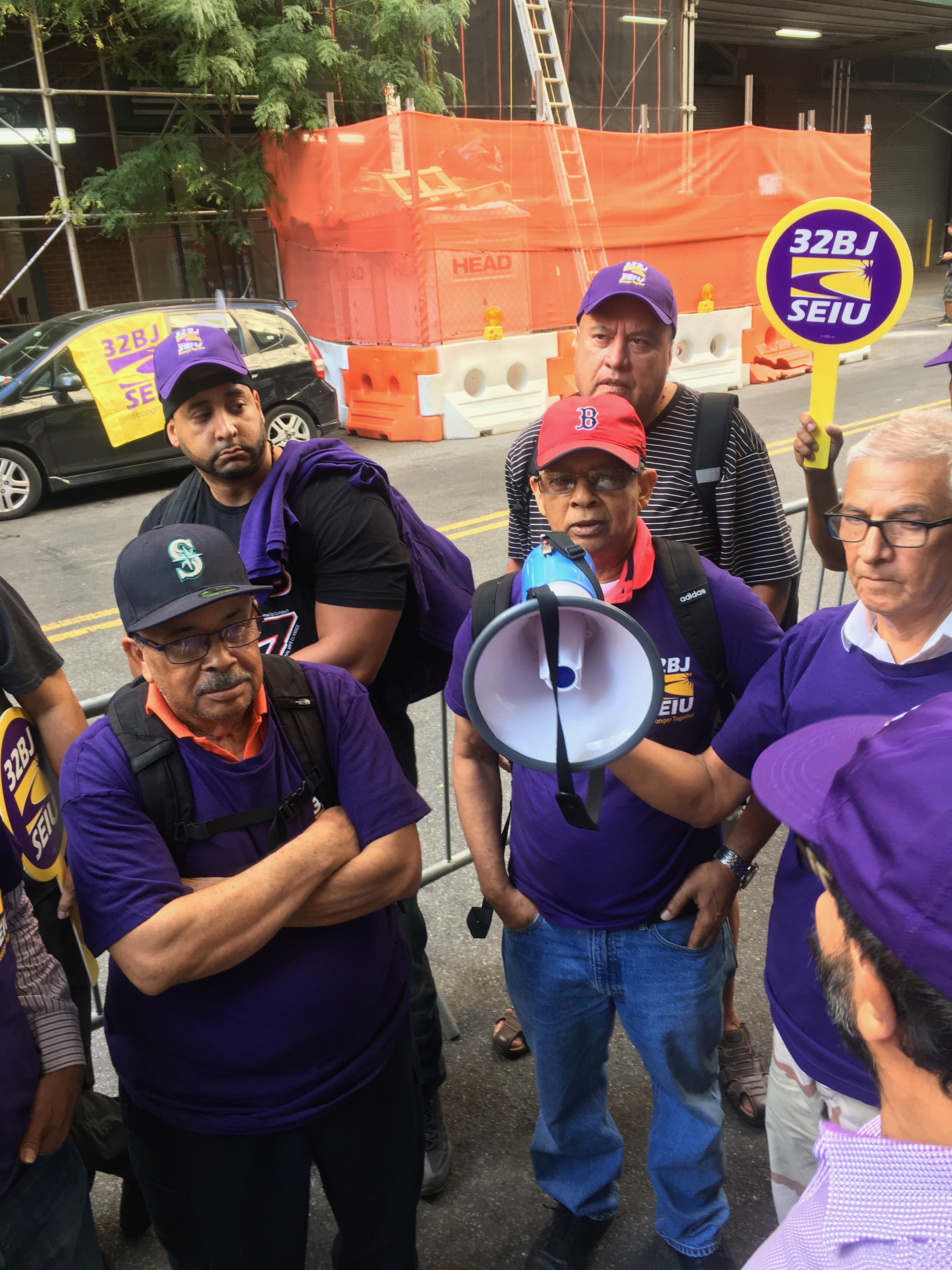 Cuomo Urged to Sign Bill Aimed at Lifting Up Con Ed Cleaners