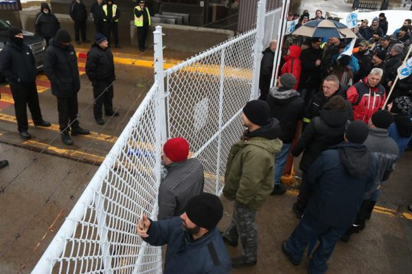 Canadian Aircraft Workers Locked Out