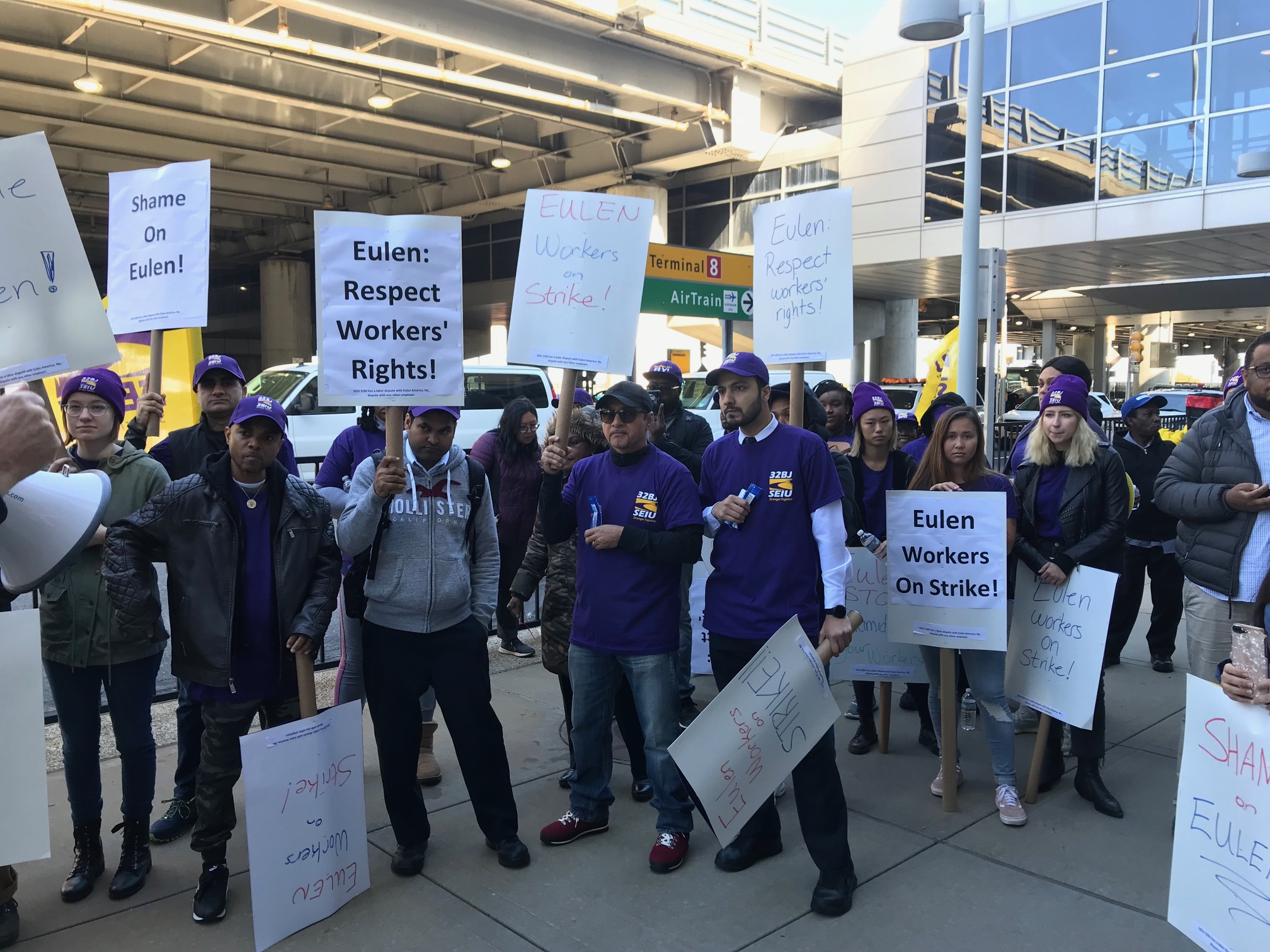 JFK Airport Workers Answer Union-Busting Bosses With 24-Hour Strike