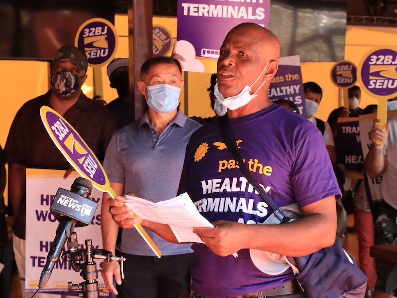 NYC Airport Workers Still Without Healthcare After Massive Industry Bailout